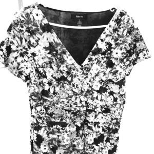 Style and Co top size Large